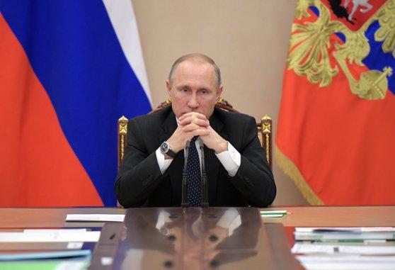 """Imaginea articolului Vladimir Putin avertizează că Rusia ar putea răspunde la """"aroganţa"""" Statelor Unite"""