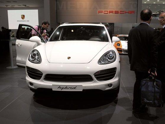 Imaginea articolului Zeci de mii de vehicule Porsche Cayenne, chemate în service din cauza emisiilor poluante. Înmatriculările sunt suspendate