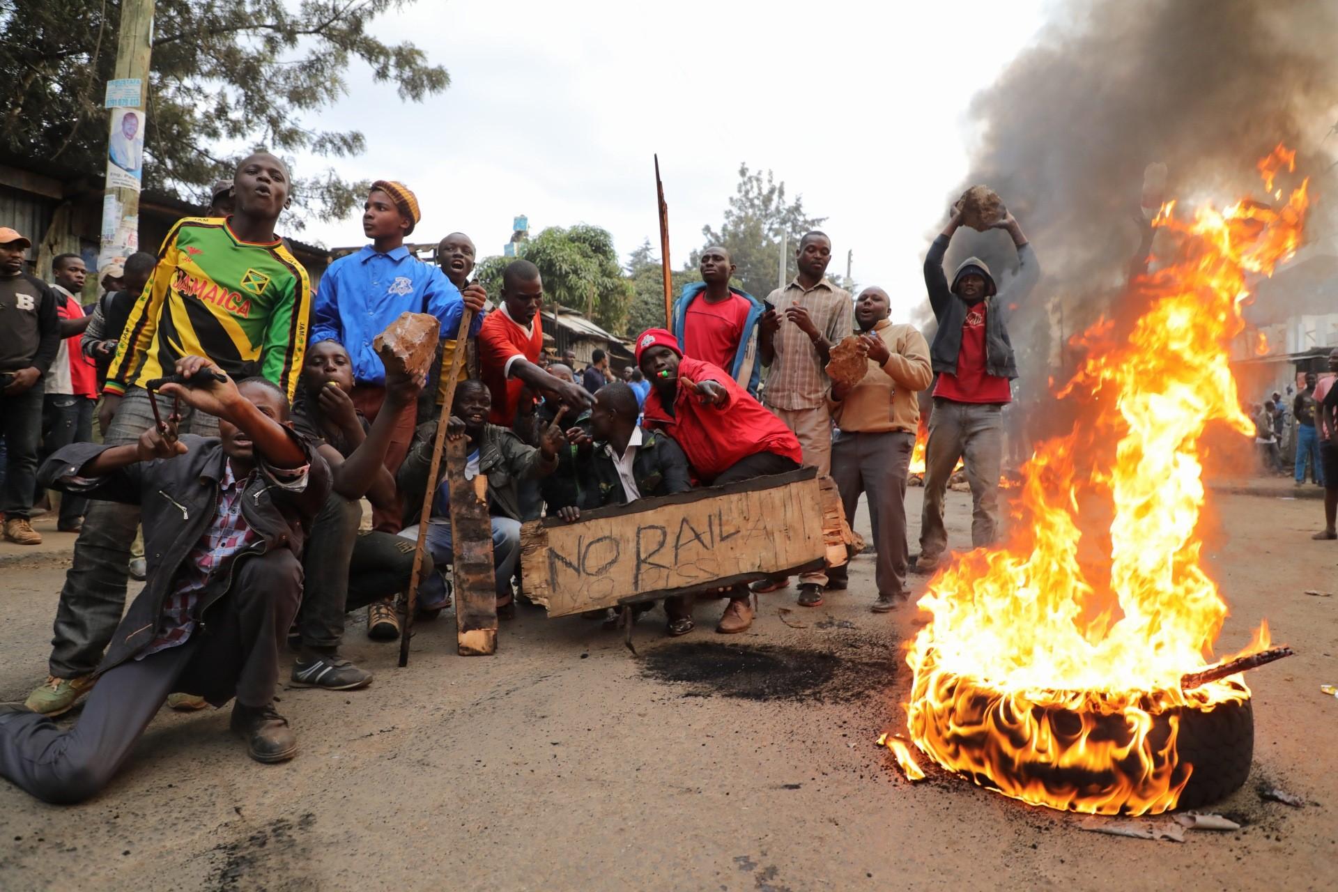 Kenya: 24 de persoane au murit în urma protestelor violente izbucnite după alegerile prezidenţiale