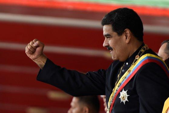 Imaginea articolului Preşedintele Venezuelei Nicolas Maduro a efectuat o vizită inopinată în Cuba, mergând la mormântul lui Fidel Castro