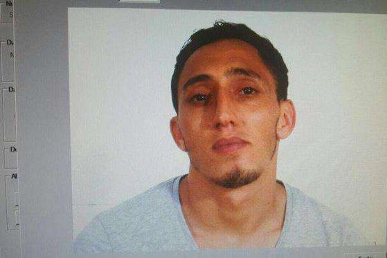 Imaginea articolului FOTO | Cine este principalul suspect al atacului din Barcelona