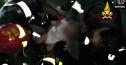 Imaginea articolului FOTO, VIDEO | CUTREMUR în Italia: Doi morţi şi 39 de răniţi în urma seismului din sudul ţării. Un bebeluş de 7 luni a fost salvat din dărâmături / UPDATE: Operaţiune de salvare reuşită şi în cazul fraţilor săi