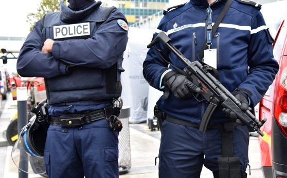 Imaginea articolului Două persoane au fost reţinute în urma unui raid antiterorist în apropiere de Paris / A fost descoperit explozibil folosit de militanţi Stat Islamic