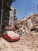 Imaginea articolului Cutremur în Mexic, de magnitudine 7,1, produs la exact 32 de ani de la seismul care a devastat Ciudad de Mexico: peste 149 de persoane au murit, zeci de clădiri s-au prăbuşit  | FOTO, VIDEO