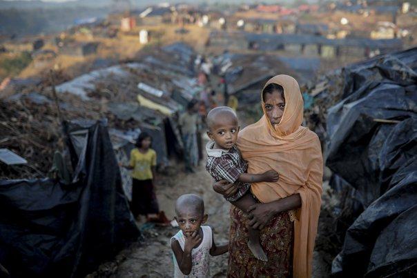 Imaginea articolului Marea Britanie a suspendat legăturile militare cu Myanmar. May: Suntem foarte îngrijoraţi în legătură cu ce se întâmplă cu populaţia Rohingya