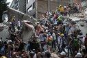Imaginea articolului IMAGINILE ZILEI - CUTREMUR ÎN MEXIC | O şcoală s-a prăbuşit peste elevi în timpul orelor, iar cel puţin 21 de copii au murit. Eforturi pentru salvarea supravieţuitorilor care dau mesaje de sub ruine