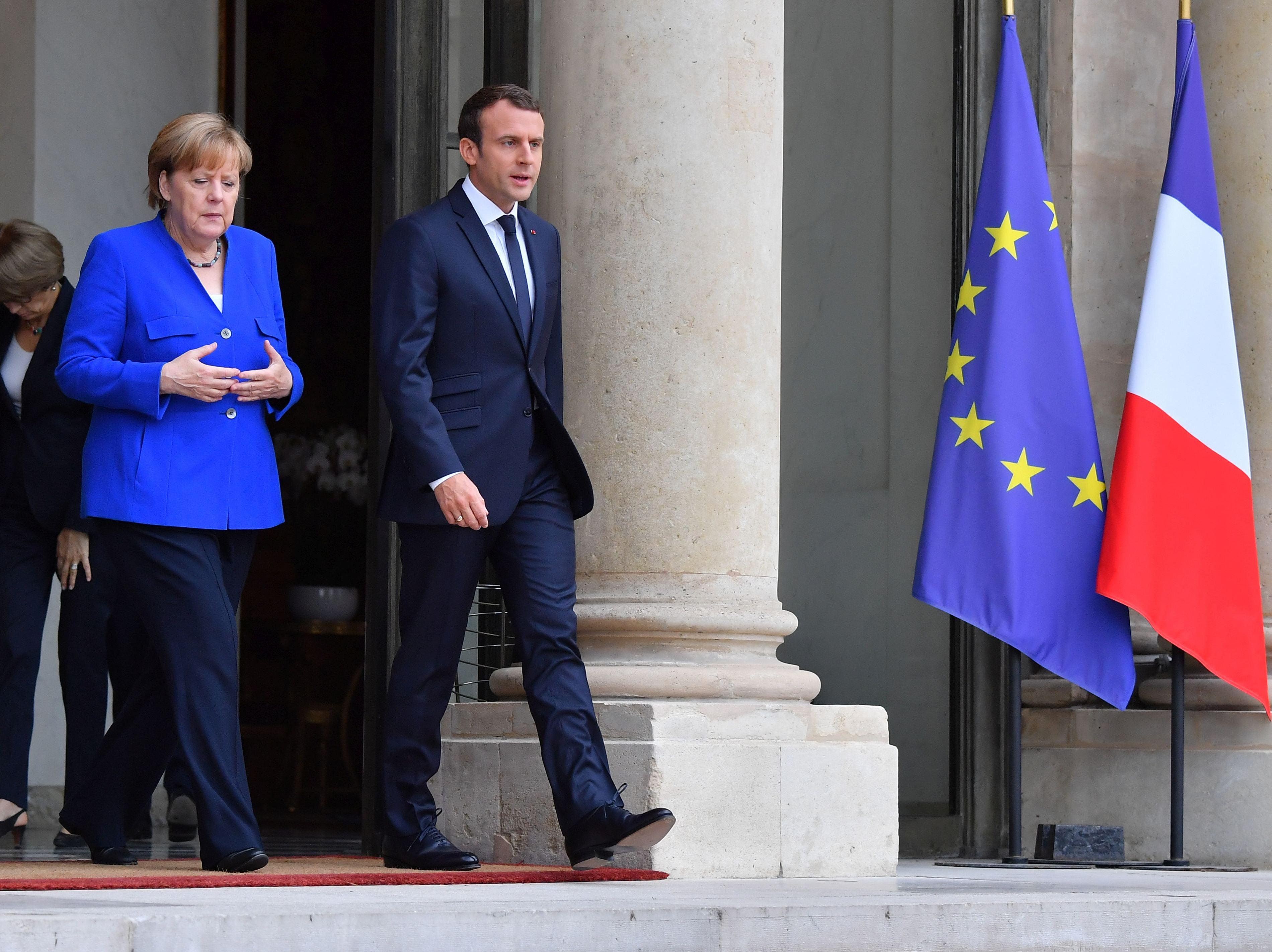 Emmanuel Macron a felicitat-o pe Angela Merkel pentru realegerea sa în funcţia de cancelar al Germaniei