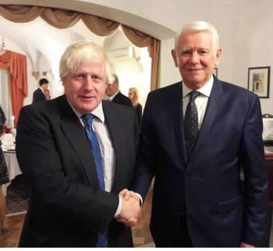 Imaginea articolului Boris Johnson, ministrul  britanic de Externe, efectuează o vizită la Bucureşti pentru a discuta despre Brexit cu omologul său român, Teodor Meleşcanu