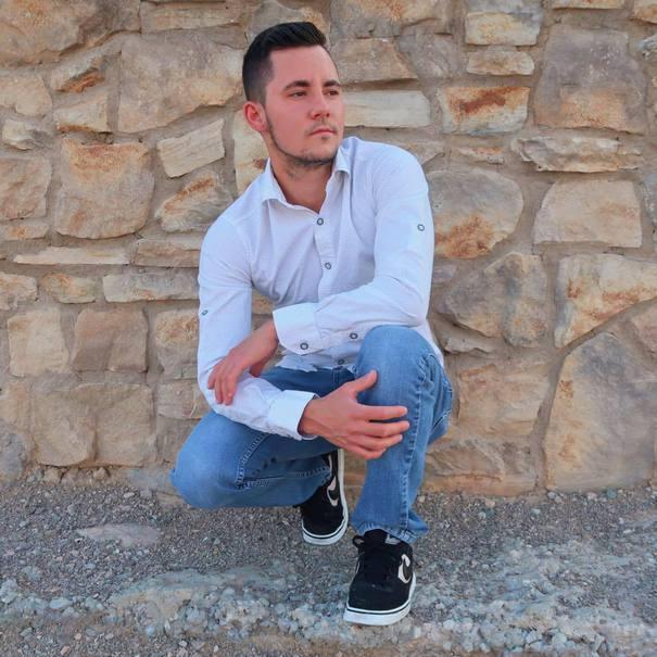 Mama lui Luca Iclodean, tânărul din Cluj, rănit în atacul din Las Vegas, anunţă că starea acestuia este stabilă şi mulţumeşte tuturor pentru susţinerea oferită