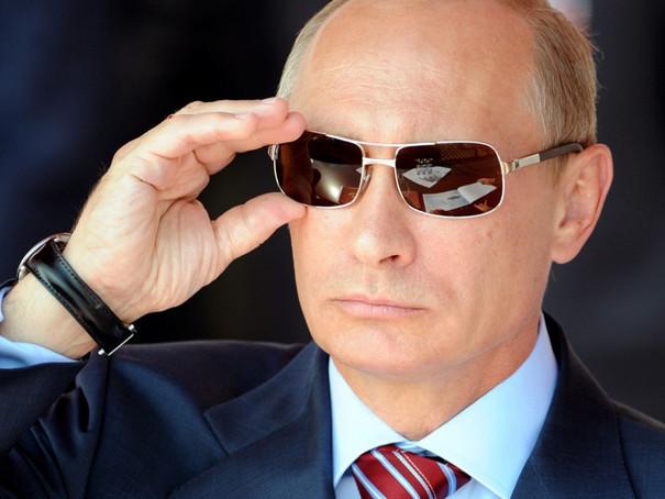 Administraţia Vladimir Putin EXCLUDE posibilitatea compensării Ucrainei pentru regiunea Crimeea