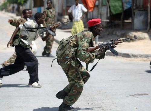 Bilanţul atentatului din Somalia a ajuns la 230 de morţi, cel mai grav din toată istoria ţării. Statele Unite condamnă atacul, considerându-l un `act de laşitate`