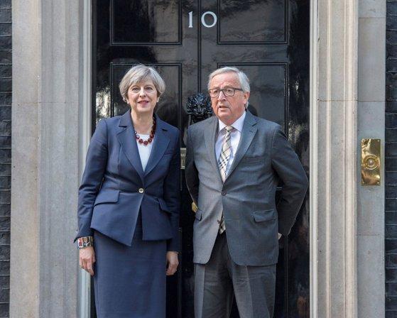 Imaginea articolului Jean-Claude Juncker şi Theresa May au stabilit intensificarea negocierilor pe tema Brexit