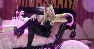 """""""Paris Hilton de Rusia"""" candidează împotriva lui Putin la preşedinţie. Ce LEGĂTURĂ a existat între liderul rus şi păpuşica din televiziune"""