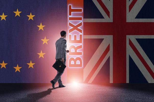Imaginea articolului Theresa May promite să le uşureze situaţia cetăţenilor UE care rămân în Marea Britanie după Brexit