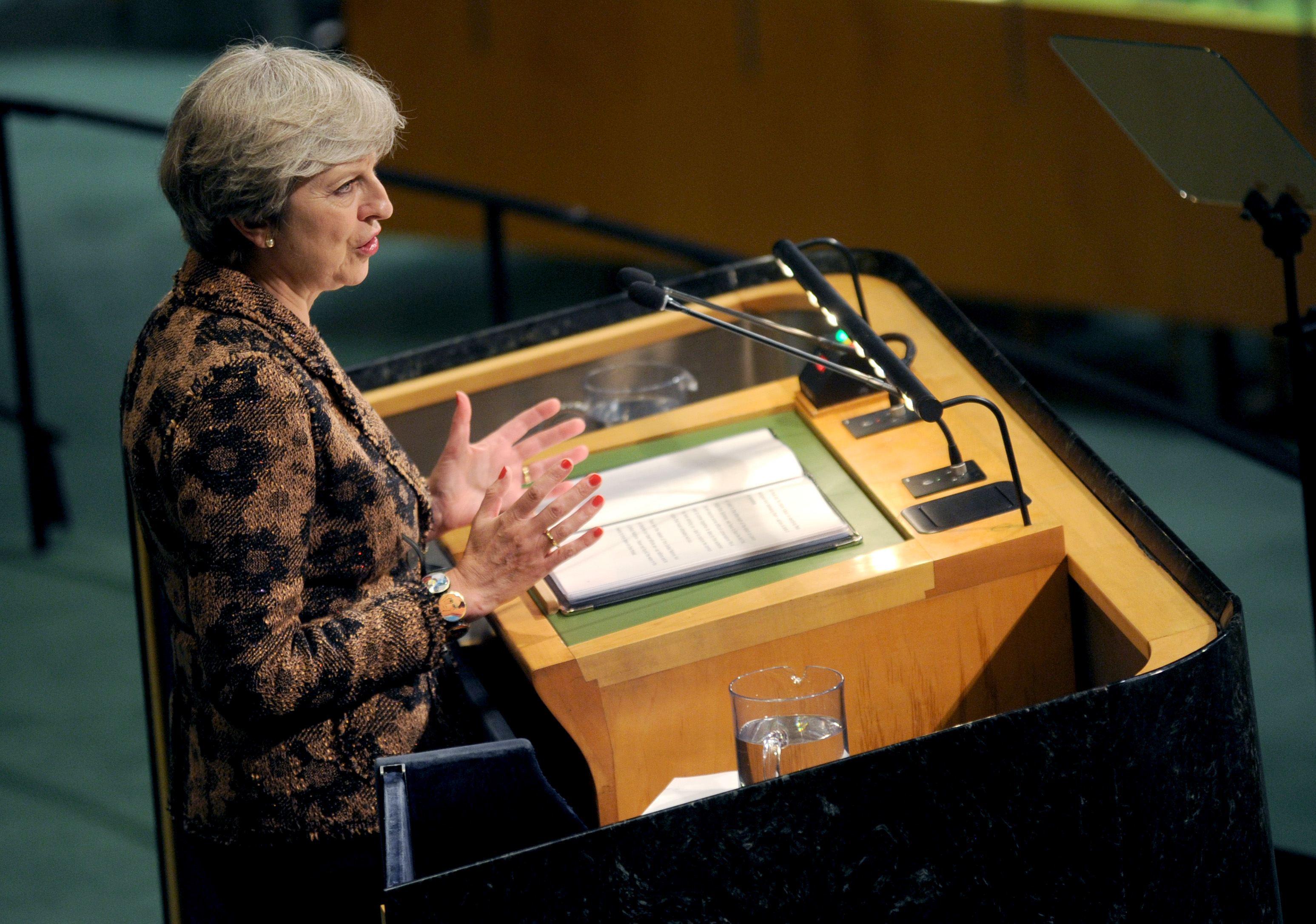 Cetăţenii UE care trăiesc în Marea Britanie au primit o scrisoare DESCHISĂ din partea premierului britanic Theresa May. Documentul care vizează peste 200.000 de români