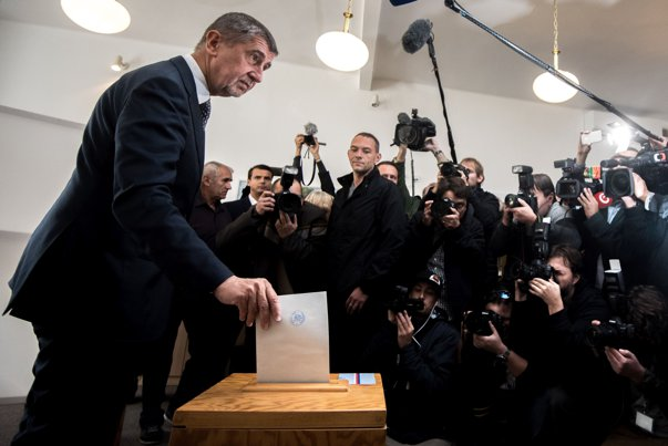 """Imaginea articolului Partidul miliardarului Andrej Babis, cunoscut şi ca """"Trump al Cehiei"""", a câştigat detaşat alegerile parlamentare din Republica Cehă - rezultate parţiale"""