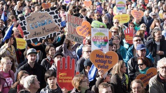Imaginea articolului Mii de persoane au protestat la Berlin împotriva partidului de extremă dreaptă AfD