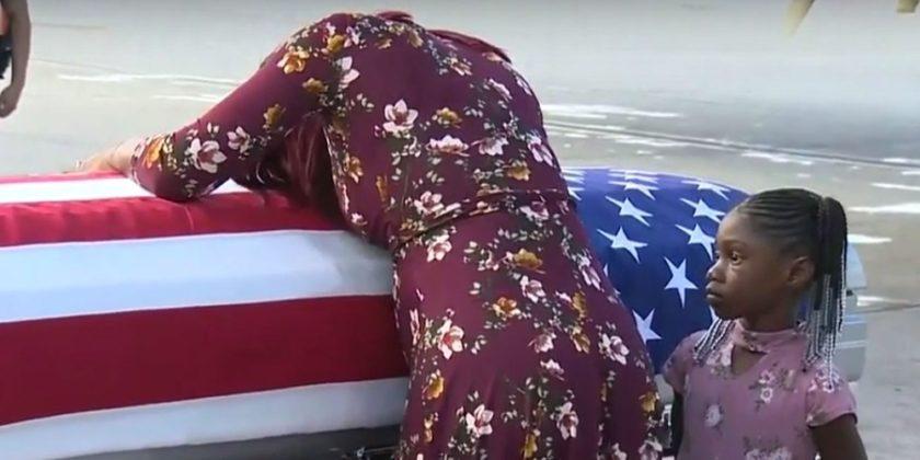 Scandalul din SUA privind condoleanţele pe care Trump le-a transmis în cazul unui militar american care a murit în Niger. Văduva confirmă că preşedintele nu ştia numele acestuia