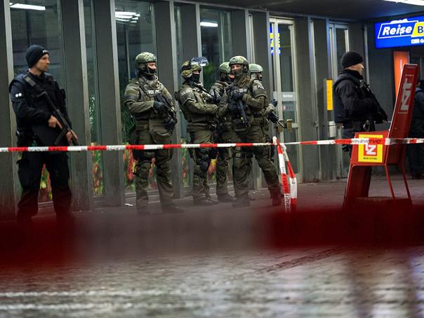 Incident armat într-un magazin din München. Trei suspecţi, reţinuţi