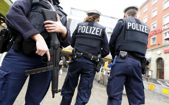 Poliţia germană a confiscat o cantitate impresionantă de arme şi muniţii după descinderi la imobile aparţinând unui presupus militant islamic