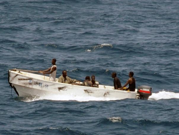Un distrugător american a intervenit în ajutorul unei nave iraniene ce fusese atacată de piraţi