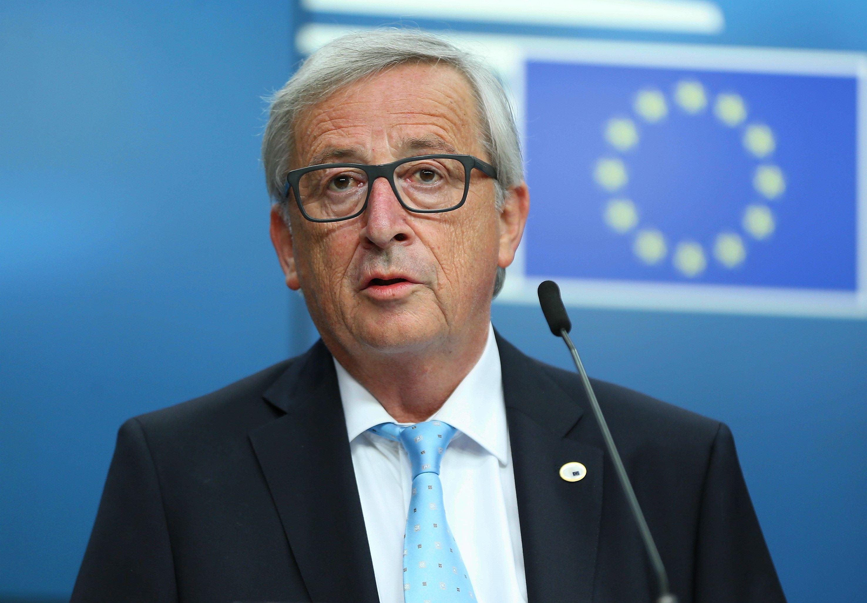 Preşedintele Comisiei Europene avertizează că UE se confruntă cu riscul apariţiei unor noi `fisuri` din cauza Cataloniei