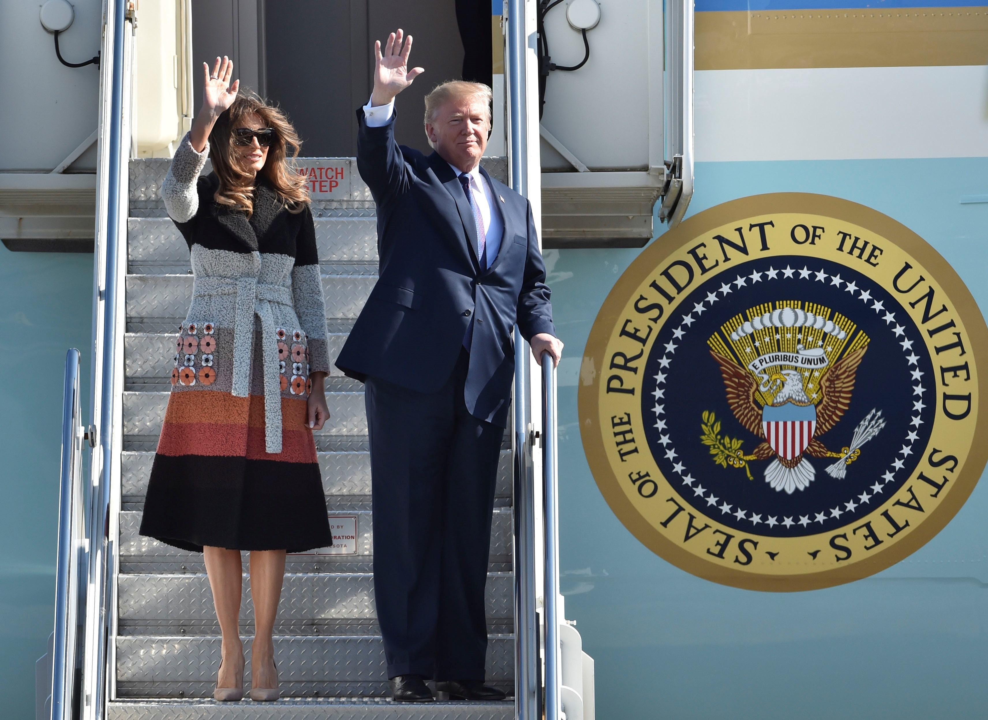 FOTO | Donald Trump a ajuns în Japonia, în cadrul turneului din Asia, cel mai lung efectuat de către un preşedinte american în ultimii 25 de ani /  Liderul SUA s-a întâlnit cu premierul Shinzo Abe