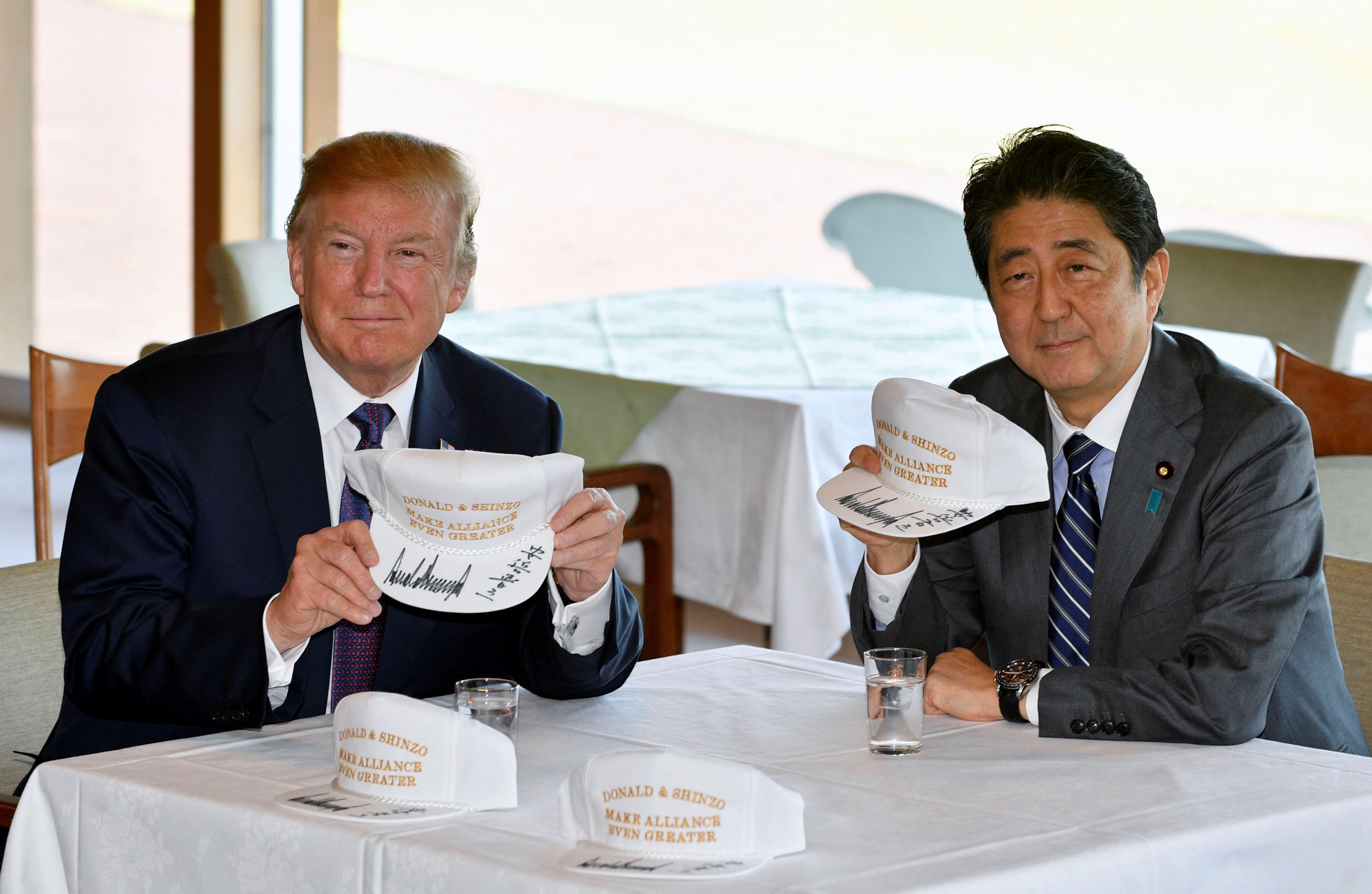 Donald Trump îşi doreşte să îmbunătăţească relaţiile economice dintre SUA şi Japonia