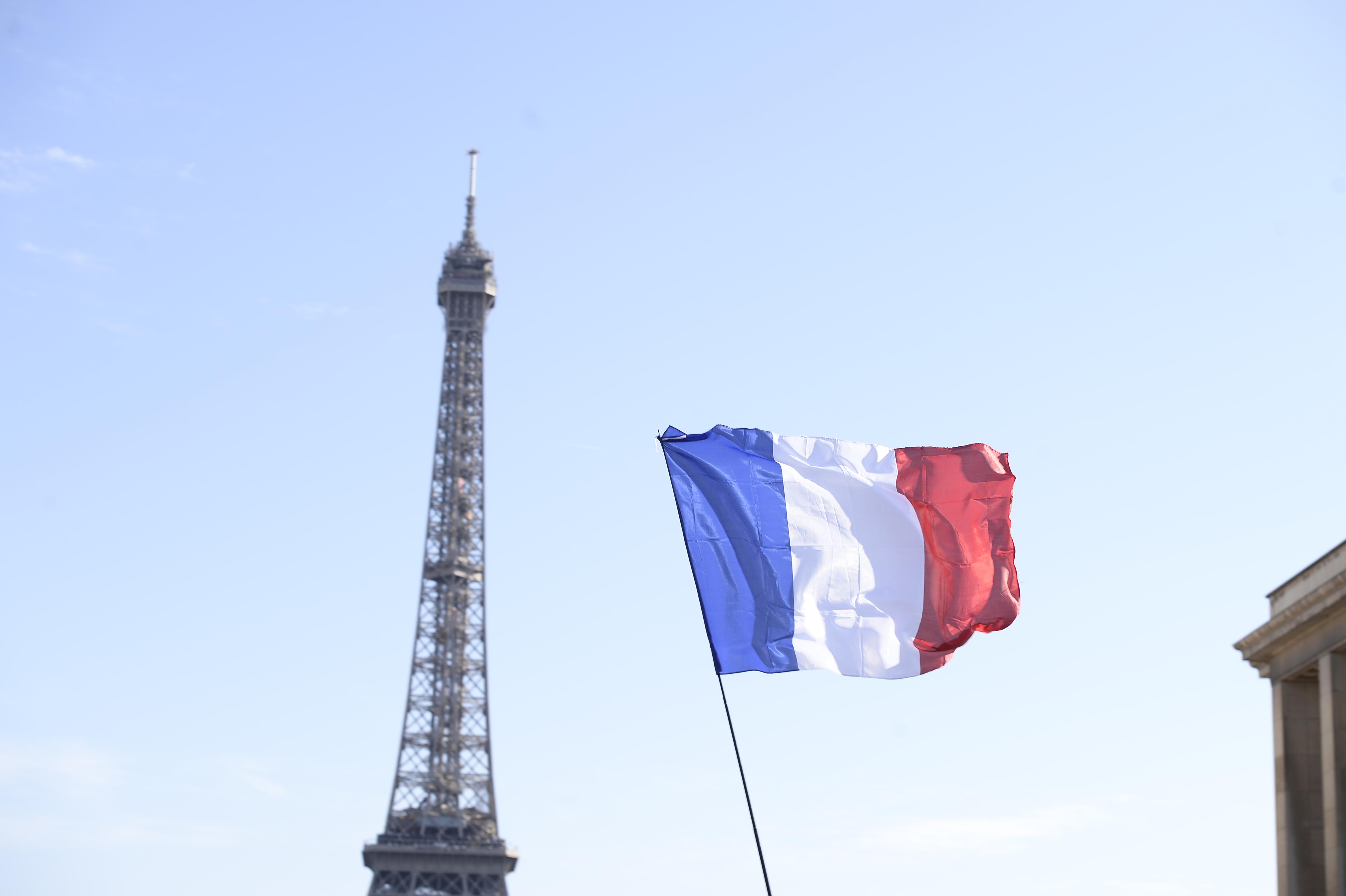Beijing cere Franţei să protejeze cetăţenii chinezi după ce un grup de turişti a fost jefuit