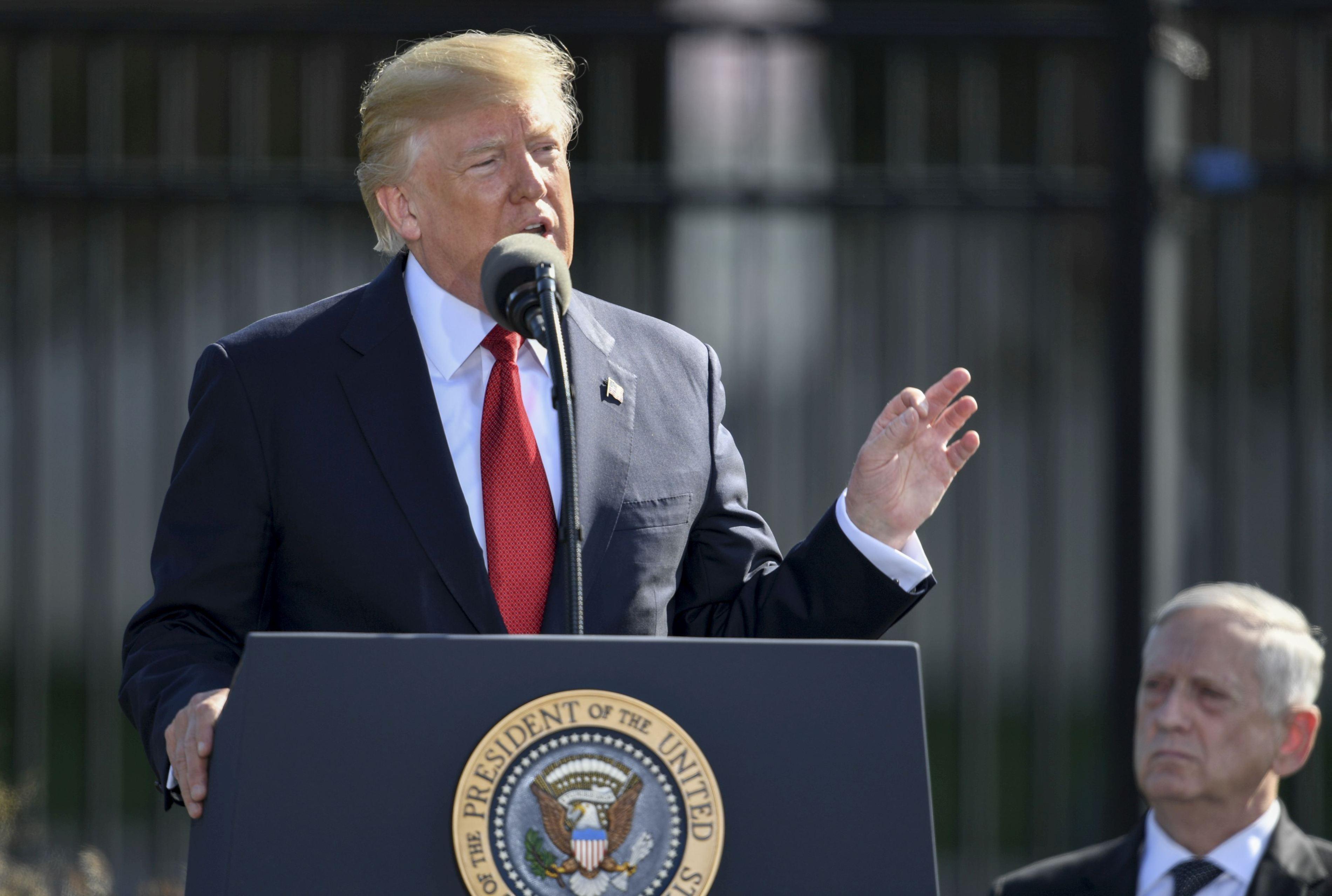 Donald Trump a ajuns în Coreea de Sud: `Sperăm că vom începe să colaborăm, pentru a crea o mulţime de locuri de muncă în Statele Unite`
