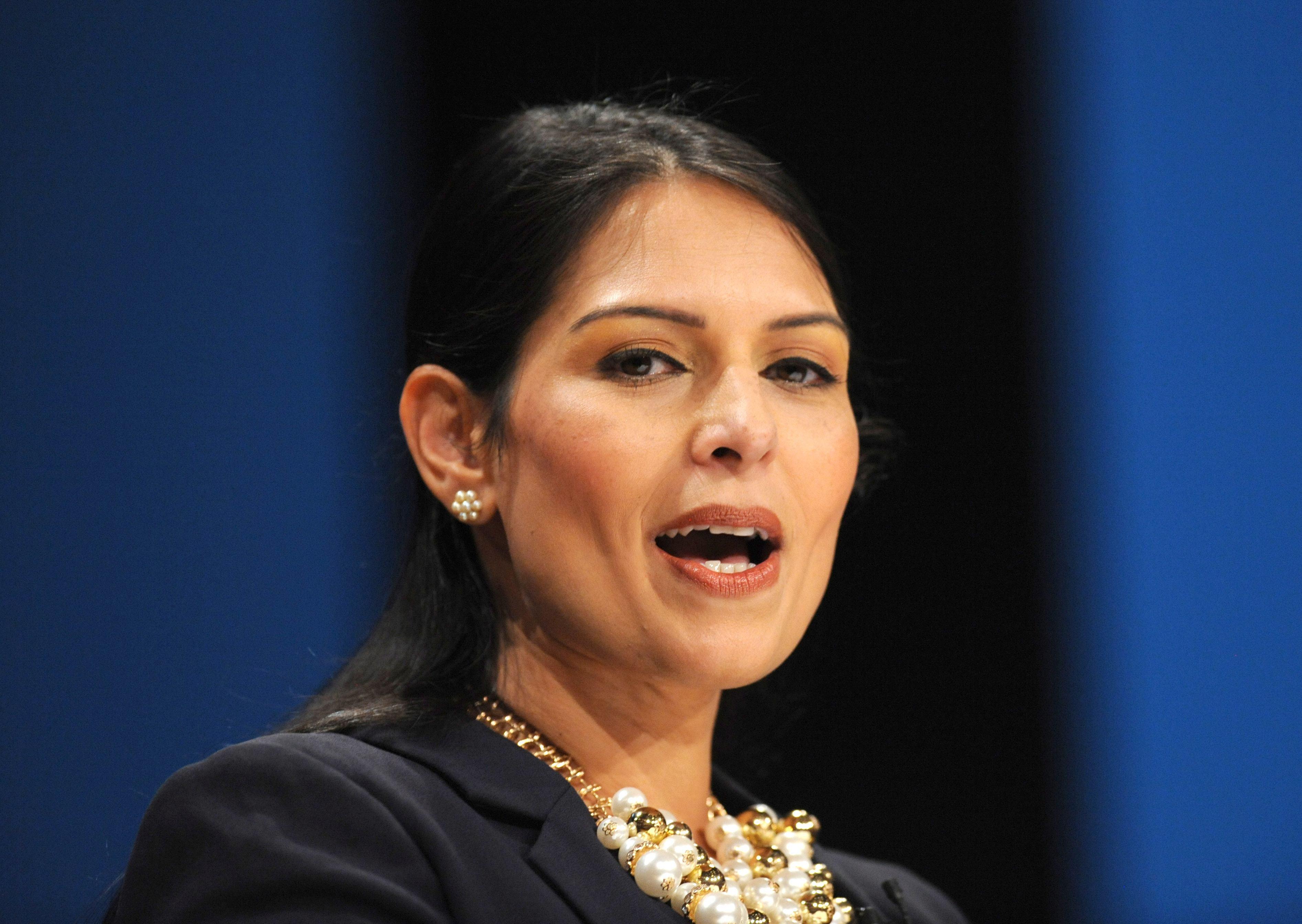 O nouă demisie în vârful Guvernului Marii Britanii. Cu cine a avut Priti Patel întâlniri neautorizate