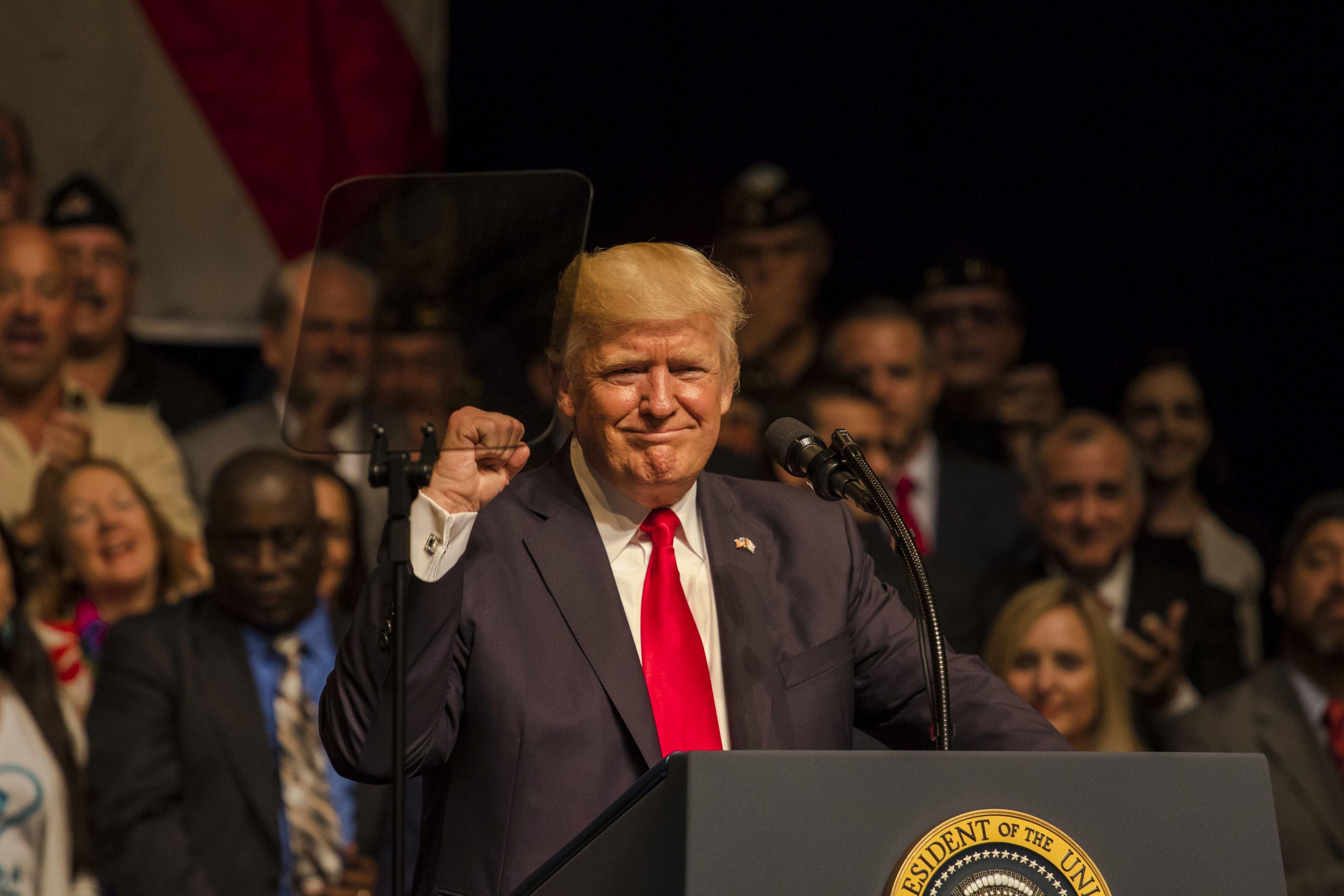 Phenianul susţine că Donald Trump ar fi `cerşit` un război în Peninsula Coreea în cursul turneului în Asia