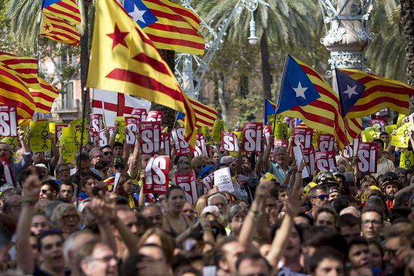 Aproximativ 750.000 de persoane au manifestat la Barcelona pentru eliberarea liderilor separatişti