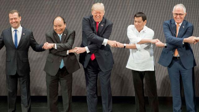 Donald Trump a participat la ceremonia de deschidere a summitului ASEAN de la Manila