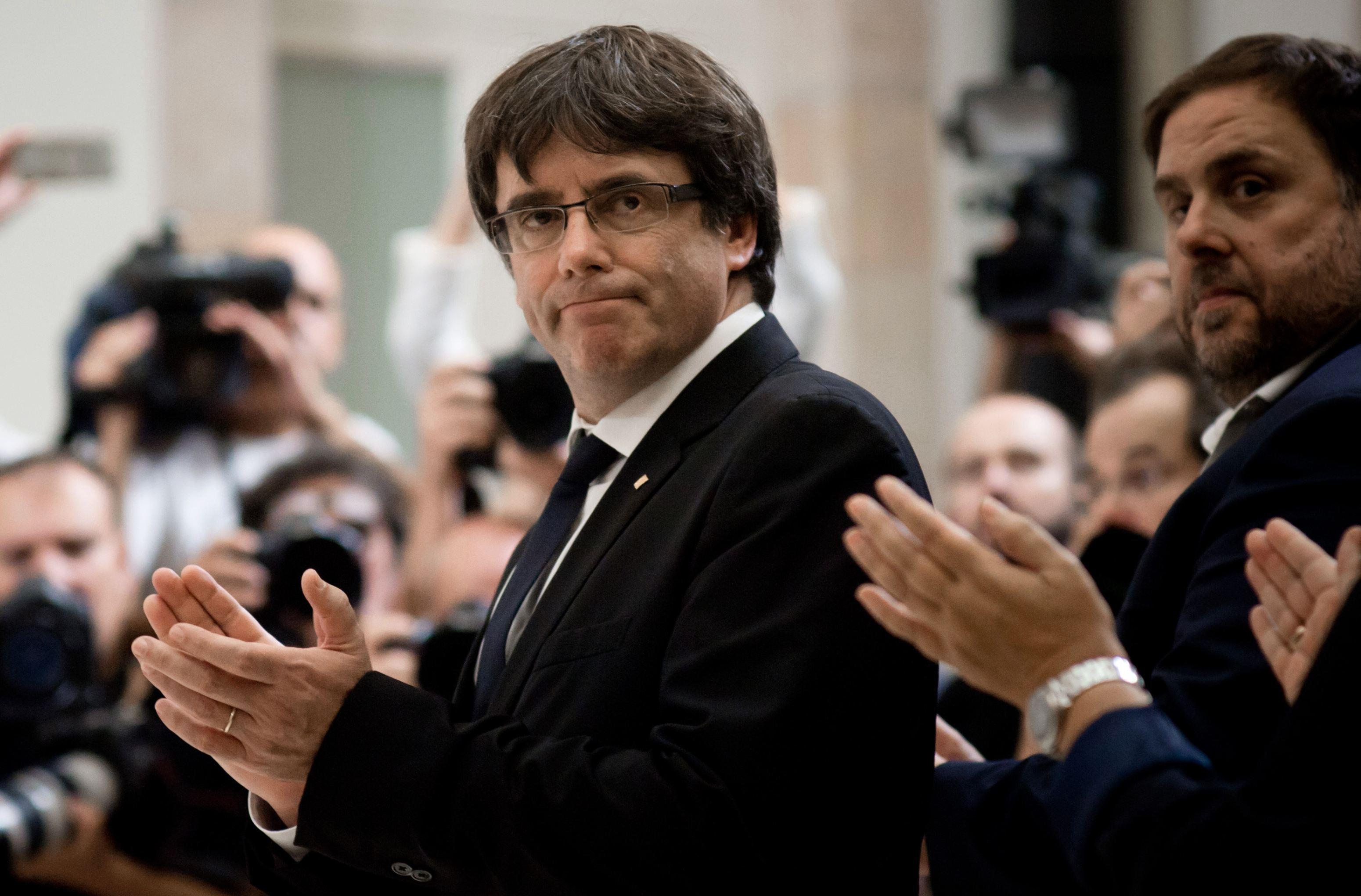 Carles Puigdemont vorbeşte pentru prima dată despre o `altă soluţie` pentru Catalonia, printr-un acord cu Madridul