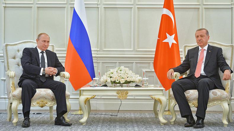 Vladimir Putin i-a spus lui Recep Erdogan că legăturile cu Turcia au fost `pe deplin restabilite`