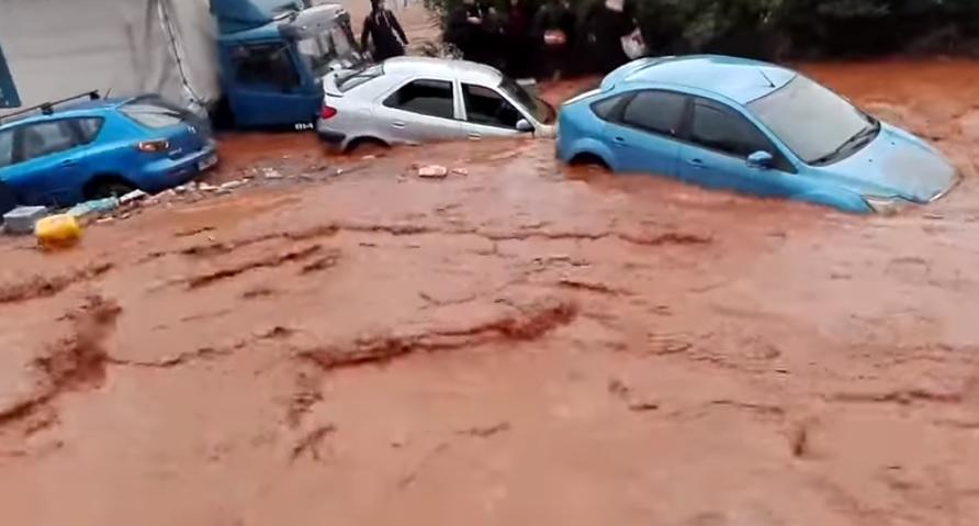 Cel puţin 15 morţi în urma inundaţiilor produse la periferia oraşului Atena | VIDEO