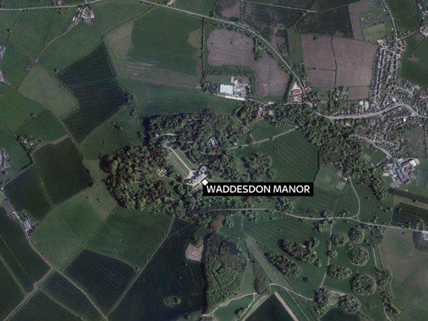 Imaginea articolului ACCIDENT AVIATIC: Un avion a intrat în coliziune în zbor cu un elicopter, în apropiere de Londra. Poliţia a confirmat moartea a patru oameni | FOTO, VIDEO