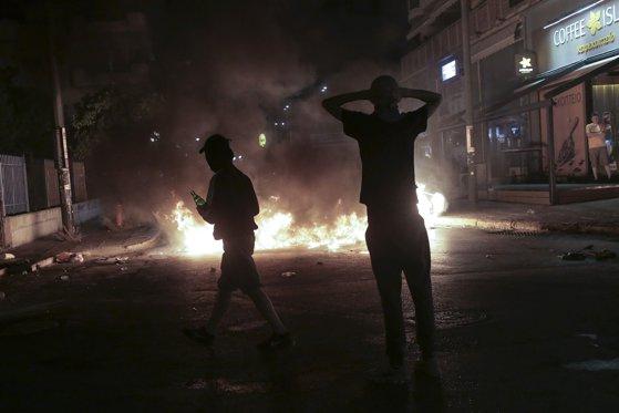 Imaginea articolului Violenţe la Atena şi Salonic. Confruntări între studenţi şi poliţie, la un marş de comemorare a revoltei din 1973 | VIDEO