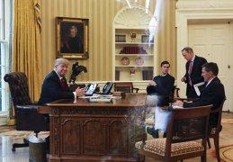 INJURII la Casa Albă... ca la uşa cortului. Ce i-a transmis Donald Trump lui Hillary Clinton