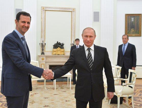 Imaginea articolului Putin şi Bashar al-Assad s-au întâlnit la Soci. Liderul rus l-a felicitat pe preşedintele sirian pentru eforturile depuse în combaterea mişcărilor teroriste din Orientul Mijlociu
