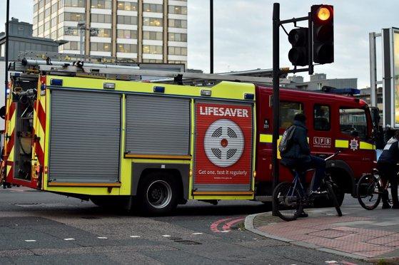 Imaginea articolului Un incendiu puternic a cuprins o clădire de apartamente din nordul Londrei. O persoană a murit