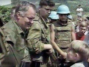 """""""Măcelarul BOSNIEI"""", VINOVAT pentru cel mai SÂNGEROS masacru din Europa, plăteşte abia cum pentru crimele odioase. DECIZIA Tribunalului Penal Internaţional pentru Fosta Iugoslavie"""