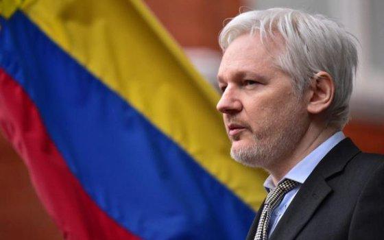 Imaginea articolului Ecuadorul îl avertizează pe Assange în legătură cu sprijinul acestuia pentru independenţa Cataloniei