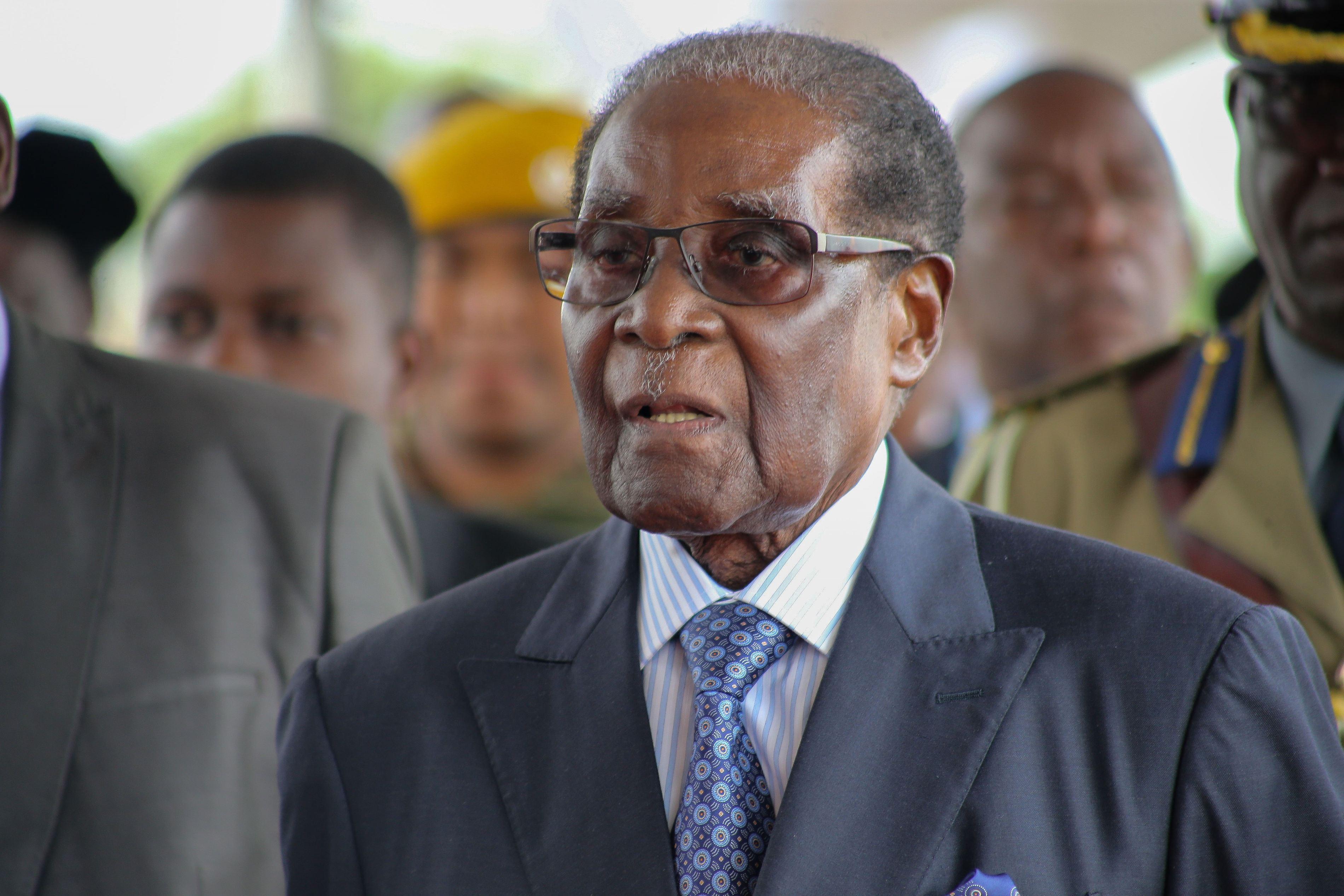 Robert Mugabe a primit imunitate juridică - surse Reuters