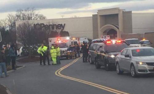 Un mall din New York a fost evacuat, iar două persoane au fost rănite uşor, în urma unui incident armat