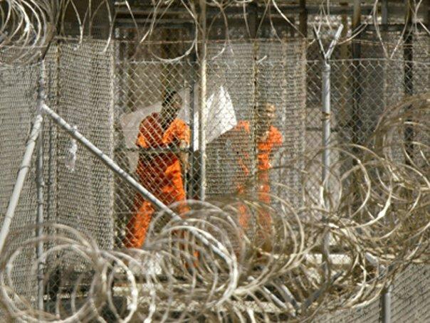 Pentagonul vrea să distrugă lucrările de artă realizate de deţinuţii de la Guantanamo /  `America nu vrea, pur şi simplu, ca lumea să vadă aceste lucrări`