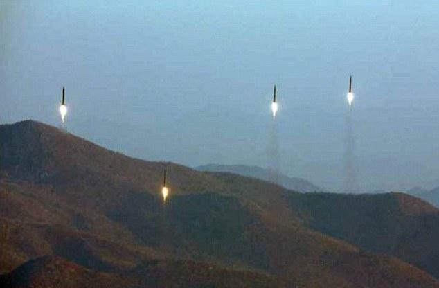 Coreea de Nord a efectuat un nou test balistic: `Noua rachetă este capabilă să lovească întreg continentul american`/ Trump: este `o situaţie pe care o vom rezolva`/ Coreea de Sud a simulat un atac cu rachetă după test