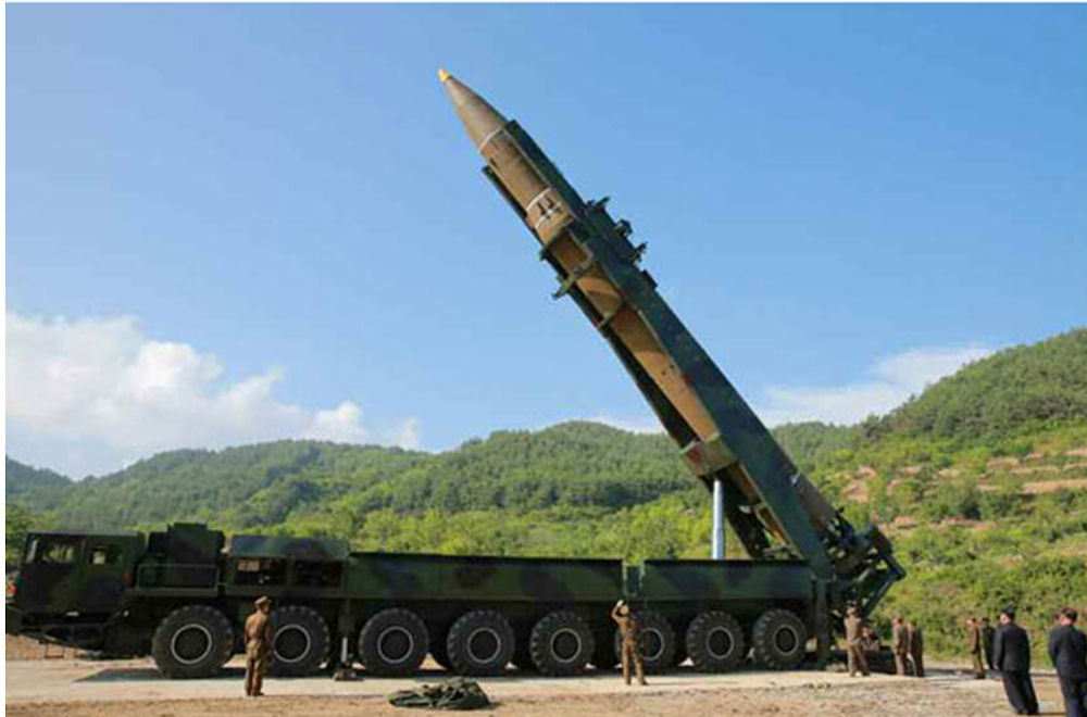 Noua rachetă balistică nord-coreeană are capacitatea să ajungă în SUA, susţin experţi americani şi sud-coreeni