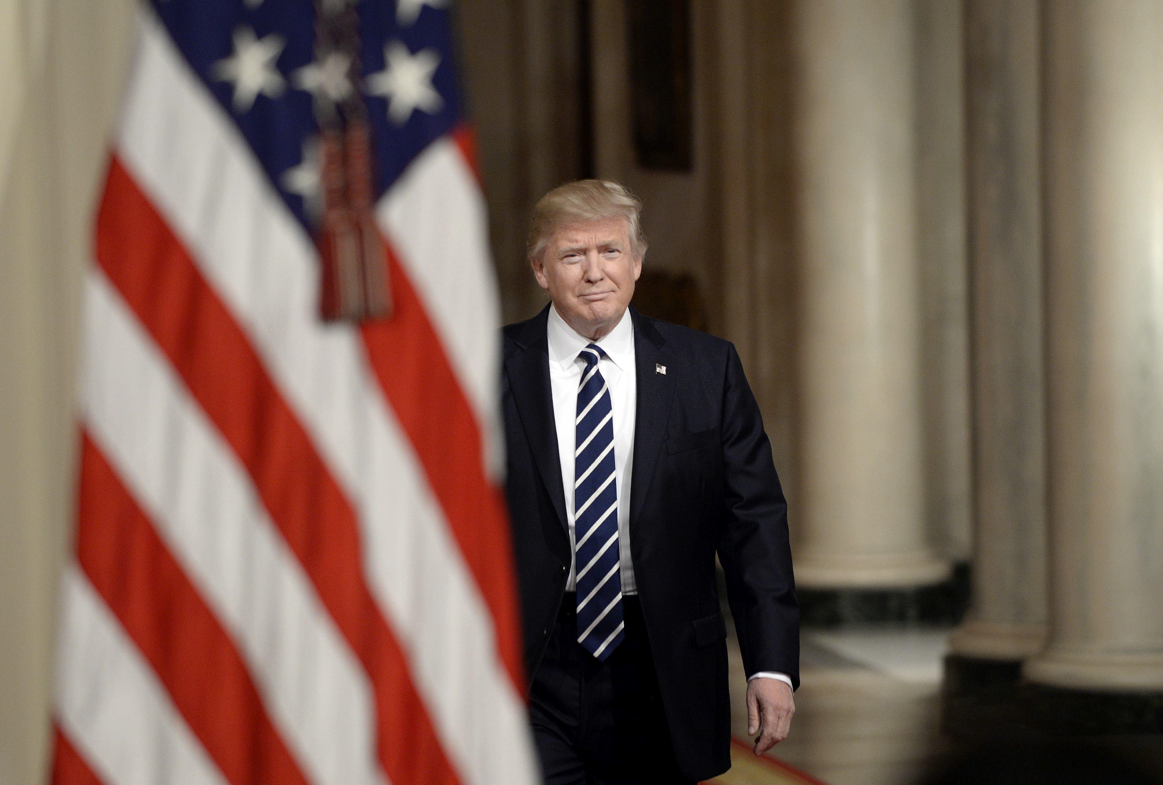 Curtea Supremă de Justiţie din SUA permite aplicarea măsurilor antiimigraţie dispuse de Donald Trump